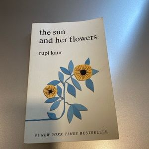 The sun and her flowers book 🤩
